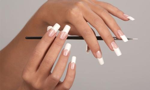 Классический френч шеллаком на длинные ногти