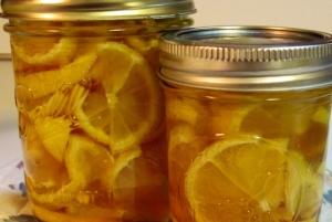 Имбирь с лимоном и медом в банке