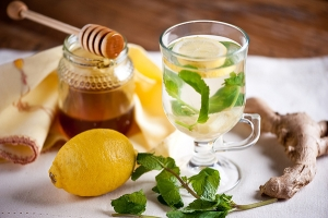 Имбирно-лимонный чай с медом для иммунитета