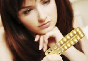 Употребление гормоносодержащих препаратов может вызвать гормональный сбой