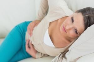 Специфические и неспецифичные симптомы опущения матки у женщин