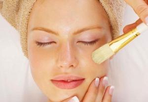 Какими преимуществами обладает желтый пилинг и что делает с кожей