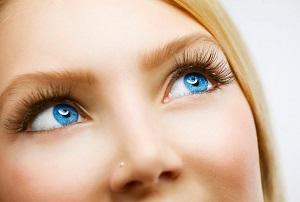 Макияж для голубых глаз - фото лучших и стильных идей для акцентирования красоты