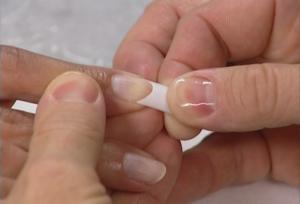 О технологии наращивания ногтей гелем своими руками