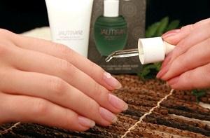 Противогрибковый лак для ногтей, насколько он эффективен в борьбе с грибком