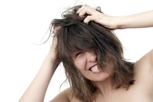 Среди побочных действий ботокса для волос возможен зуд