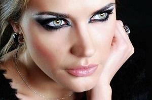 Яркий макияж для голубых глаз - какие оттенки лучше использовать