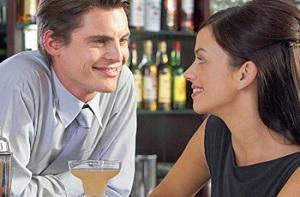 Как выдаст поведение влюбленного мужчины, если он скрывает свои чувства