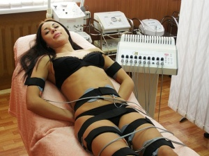 Следует обязательно ознакомиться с противопоказаниями перед процедурой миостимуляции