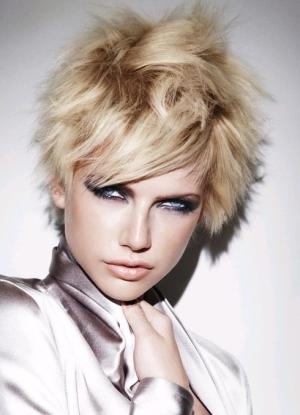 Преимущества и недостатки покраски балаяж на короткие волосы