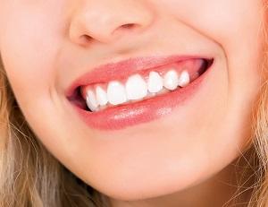 Процедура лазерного отбеливания зубов - средняя стоимость и отзывы пациентов