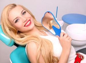 В каких случаях можно проводить лазерное отбеливание зубов и противопоказания
