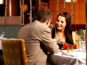 Как нужно вести себя с мужчиной, чтобы он быстро влюбился