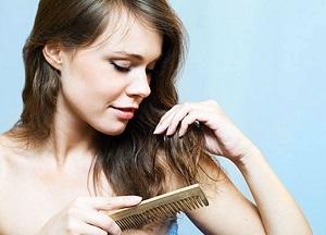 Факторы риска и признаки выпадения волос у женщин