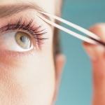 Как красиво выщипать брови: полезные советы