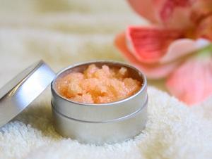 Как приготовить пилинг для губ с ипользованием ванили в домашних условиях