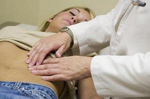 Причины болей внизу живота у женщин - почему болит левый бок