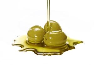 Польза и полезные свойства оливкового масла для волос