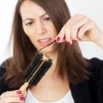 Действенные народные средства от выпадения волос у женщин
