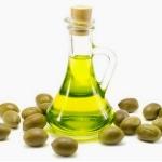 Ответ на вопрос, чем полезно оливковое масло для волос
