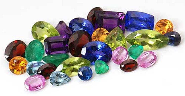 Драгоценные и полудрагоценные камни для женщины-Девы по дате рождения