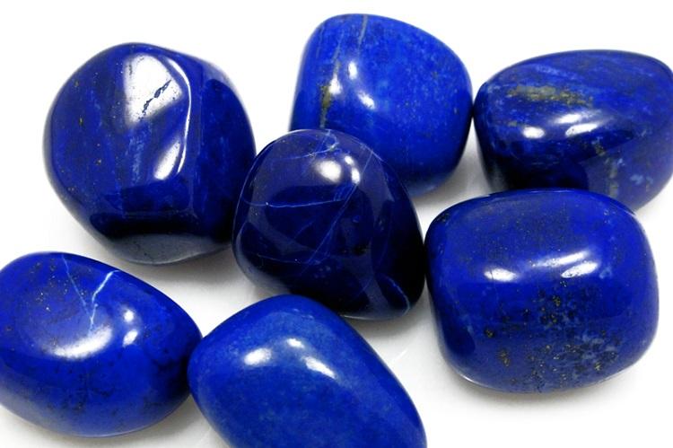 О камне лазурит и его магических свойствах для женщины Девы