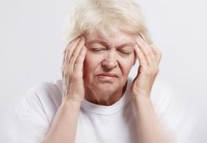 Причины головокружения при нормальном давлении у женщин: климакс, возрастные нарушения, онкология