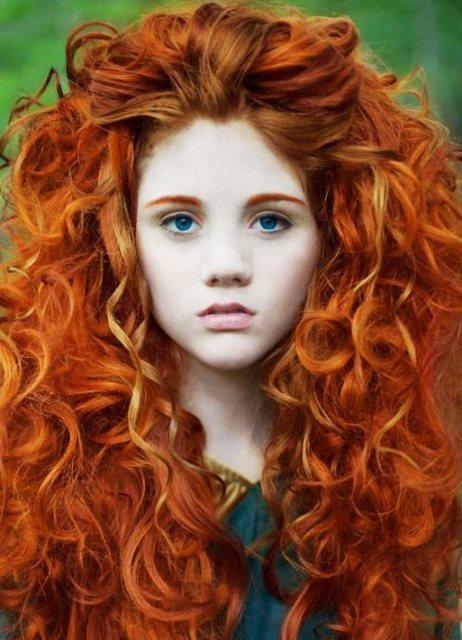 ryzhiy_cvet_volos_s_melirovaniem_8 Мелирование на рыжие волосы: фото до и после, окрашивание на медный цвет, с челкой и без, на короткие, длинные, крашеные