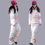 Выбираем горнолыжный костюм для девушек и женщин: советы