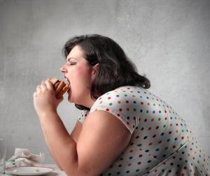 Киста яичника у женщины: симптомы, причины возникновения, лечение
