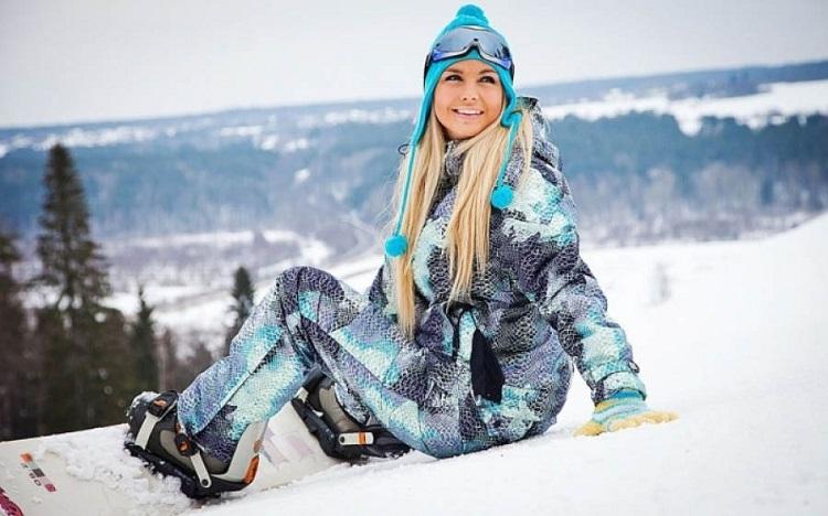 Выбор подходящей расцветки и размера зимнего костюма для женщин