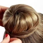 Как сделать бублик на длинные волосы: пошаговая инструкция