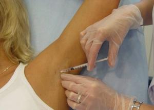 Причины и лечение повышенной потливости у женщин: когда необходимо обратиться к врачу?