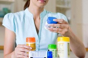 Какие витамины от выпадения волос у женщин выбрать
