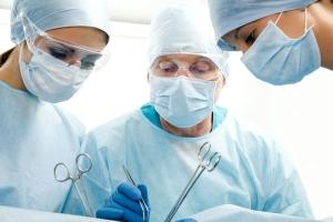 Гипертиреоз у женщин: симптомы, лечение хирургическим методом
