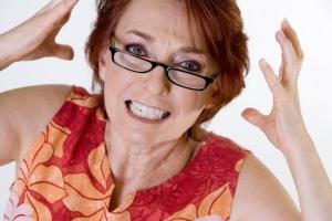 Гипертиреоз у женщин: основные симптомы и лечение