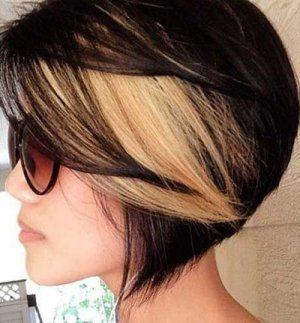 Редкое мелирование на коротких волосах