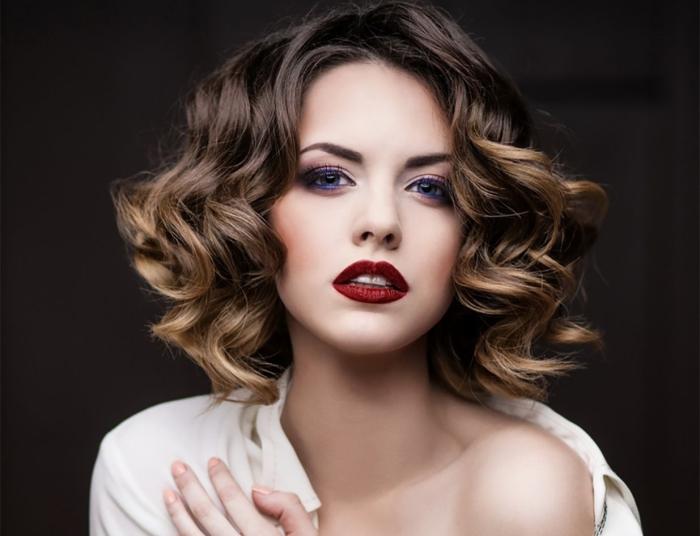 Мелирование на темные волосы: французское
