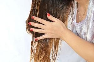 Окрашивает ли светлые волосы оливковое масло, как применять для смывки краски?