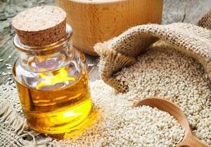 Как правильно использовать кунжутное масло для волос - полезные советы