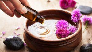 Добавление масла лаванды для волос в маски и смеси