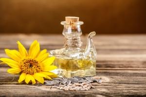 Подсолнечное масло для волос: состав и свойства продукта