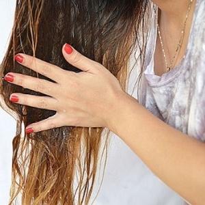 Масло для восстановления волос: правила нанесения и смывания, частота использования