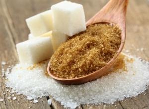 Скраб из сахара, меда и других ингредиентов для лица: правила выбора продуктов