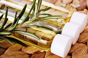 Полезные масла для волос и их свойства