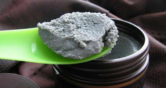 Зеленый скраб для лица из кофе , глины и огурца