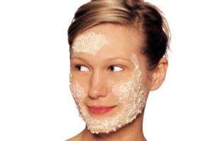 Скраб для лица из овсянки, геркулеса, хлопьев: рецепт для жирной и чувствительной кожи