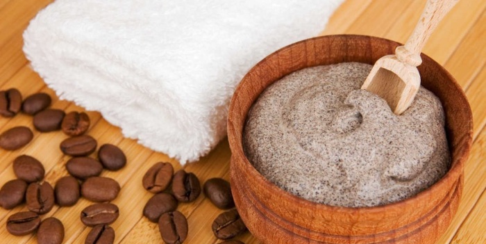 Кофейно-сметанный скраб от шелушения кожи лица