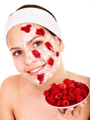 Пилинг для сухой кожи лица: из чего сделать?