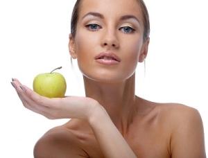Яблочный пилинг: правила применения, противопоказания